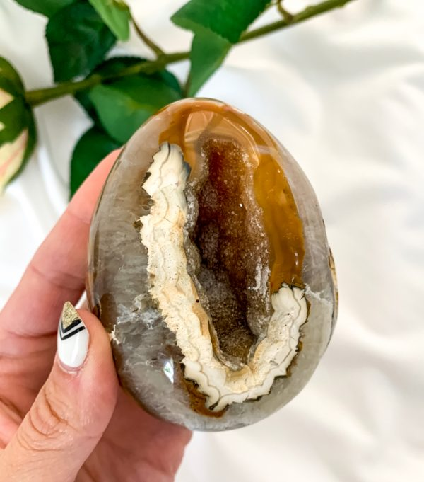 crazy-lace-agate-egg